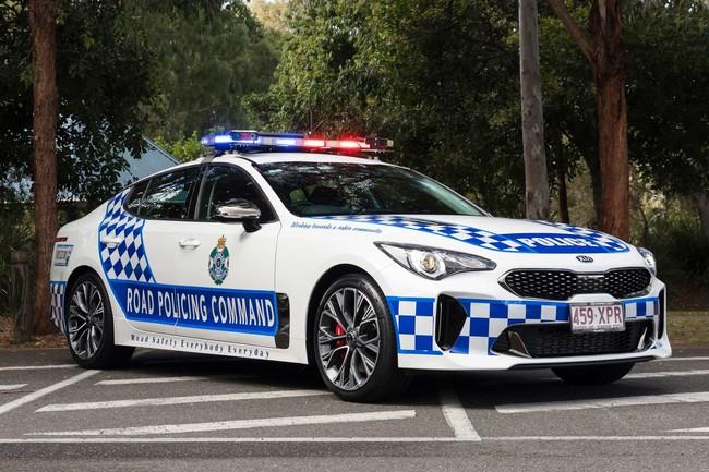 La policía australiana estrena el Kia Stinger como coche patrulla, en versión V6 biturbo de 370 CV