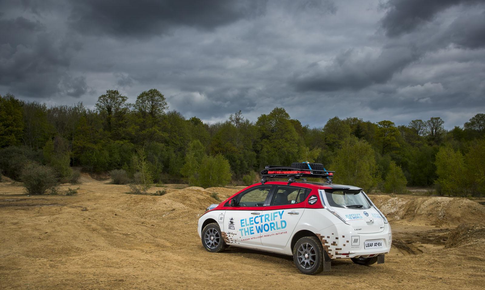 Foto de Nissan Leaf AT-EV (6/19)