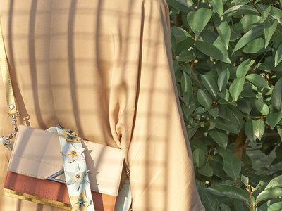 Los bolsos que triunfan se llaman Tita Madrid. Paula Echevarría ya tiene el suyo