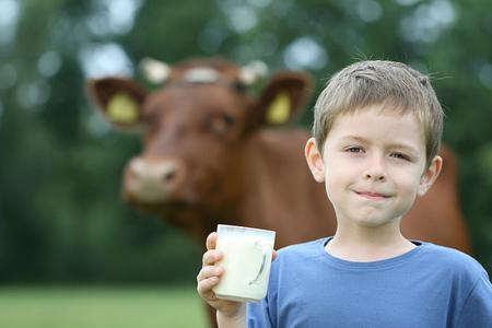 Encontradas hasta 20 sustancias farmacológicas activas en leche de vaca, cabra, y leche materna humana