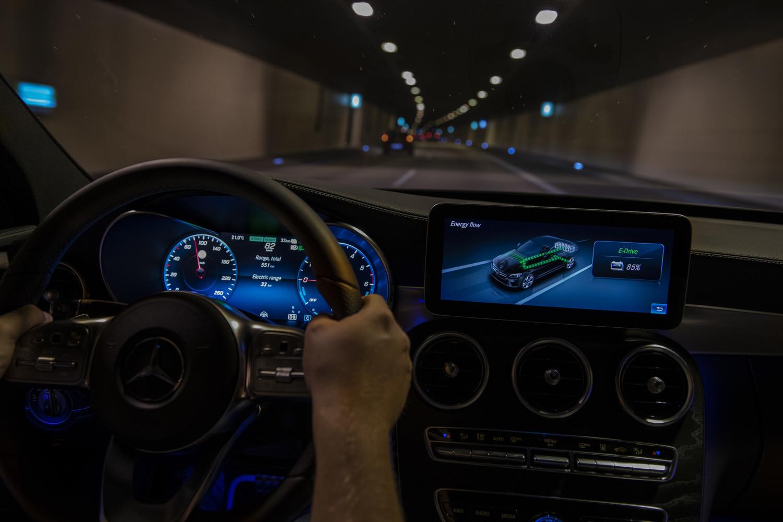 Foto de Mercedes-Benz C 300 de (39/44)