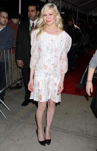 El romántico look de Kirsten Dunst en el Festival de Cine de Tribeca 2010