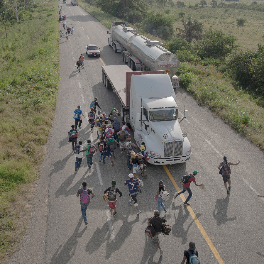 Ganador Series: 'The Migrant Caravan' de Pieter Ten Hoopen (Suecia)