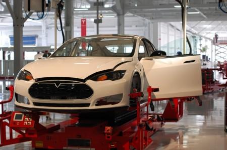 Tesla aspira a abrir una fábrica en China en dos años