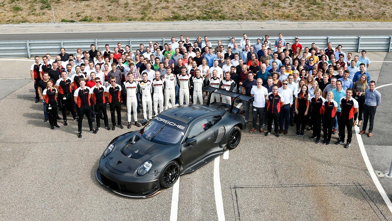 Foto de Porsche 911 RSR GTE 2019 (25/41)