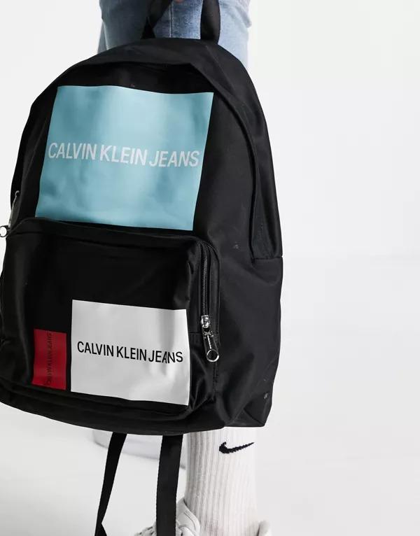 Mochila multicolor con logo de Calvin Klein