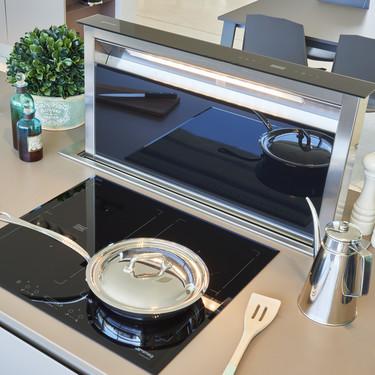 Smeg presenta una nueva línea de campanas retráctiles ideales para islas de cocina