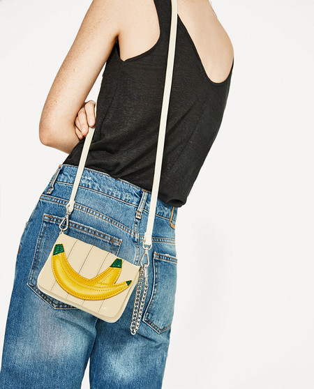 Las frutas no solo se comen, también se llevan en la ropa a modo de complemento