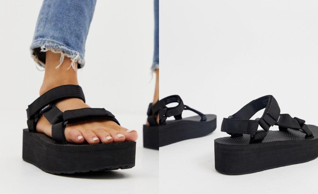 Sandalias gruesas con plataforma plana en negro Universal de Teva