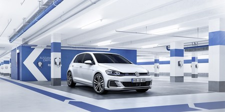 Volkswagen Golf 2017 014
