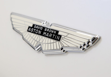 La historia que quizá no conocías de los Aston Martin DB y de su creador