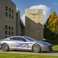 ¿Se pasa James Bond al coche eléctrico? Por si lo necesita, Aston Martin se lo ha preparado
