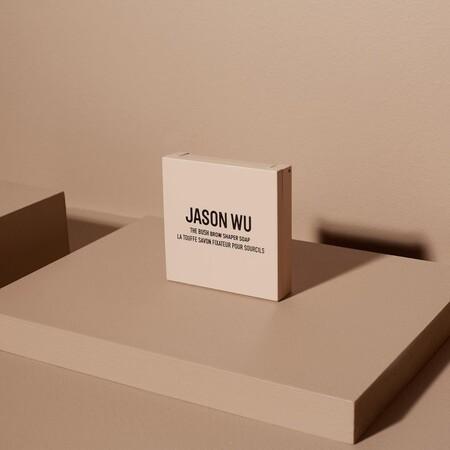El diseñador Jason Wu también apuesta por la belleza y presenta una colección de maquillaje de lo más ideal