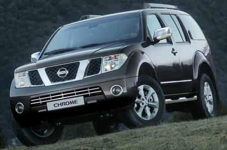 Nissan Pathfinder Chrome