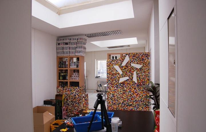 Foto de Separando espacios con un muro de lego (1/7)