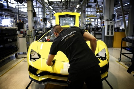 Ferrari Y Lamborghini Cierran Sus Fabricas 4