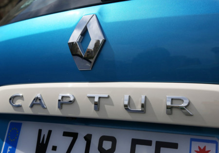 Renault llama a 15,000 autos a revisión en Francia por exceso de emisiones