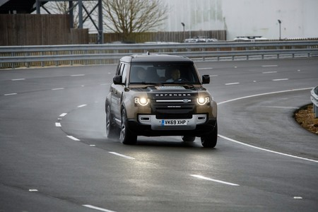 Land Rover Defender 2020 Toma Contacto 002