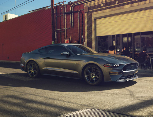 Ford Mustang 2018 se renueva para Europa, gana potencia con el V8 y la pierde con el Ecoboost