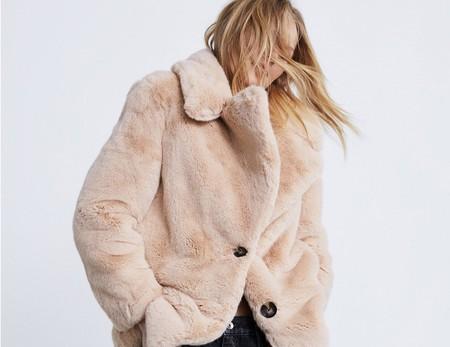 Así es la colección de abrigos de Zara con la que vas a necesitar un armario más grande