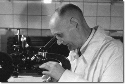 Los dos científicos que violaron la ley para salvar una vida (con la aparición estelar de Hitler)