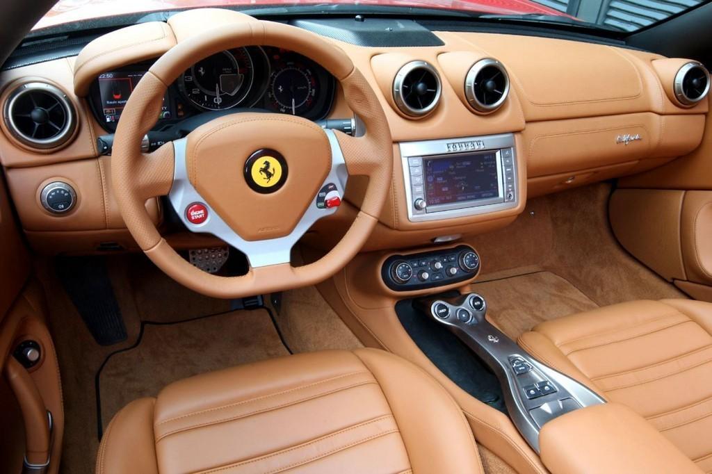 Foto de Ferrari California (30/50)