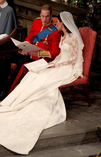 Foto de Todas las imágenes del príncipe Guillermo y Kate Middleton en el altar (11/12)