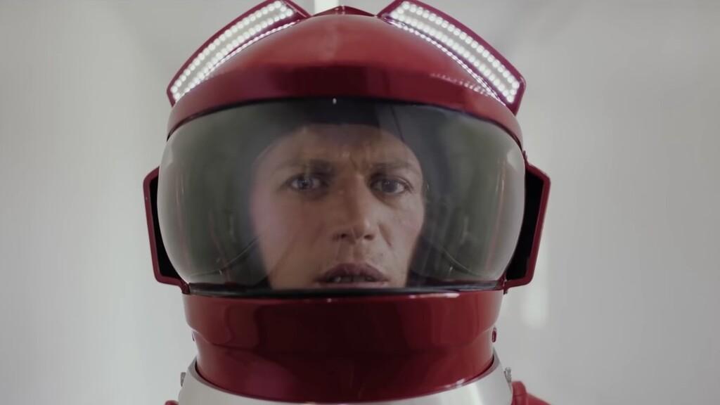 Tráiler de 'Stardust': el biopic de David Bowie quiere sumarse a los éxitos de 'Bohemian Rhapsody' y 'Rocketman'