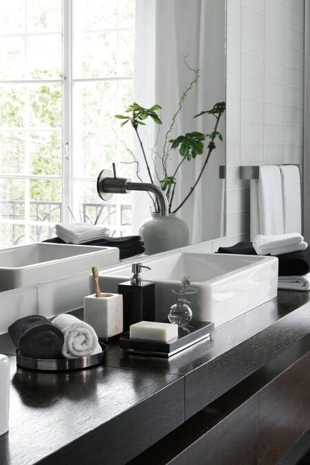 ¿Elegantes y sofisticados o frescos y desenfadados? El estilo del cuarto de baño se puede definir a través de sus accesorios