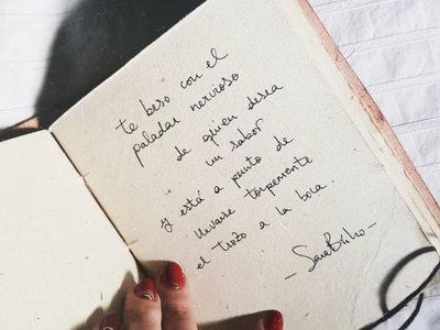 La generación 'millennial' está leyendo poesía a niveles muy locos. ¿Quiénes son sus referentes en España?