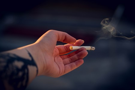 Resultado de imagen para fumar cigarro