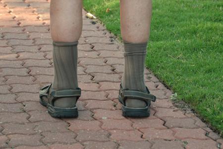 ¿Pueden famosos e influencers conseguir que nos gusten los hombres con sandalias y calcetines?