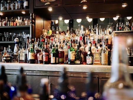 Los fabricantes de alcohol proponen mostrar la información nutricional solo online
