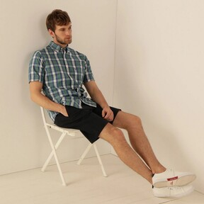 Siete camisas que, además de ser sustentables, te dan un estilazo en tus videollamadas de teletrabajo