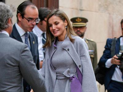 Doña Letizia nos enseña cómo lucir un perfecto look de invierno