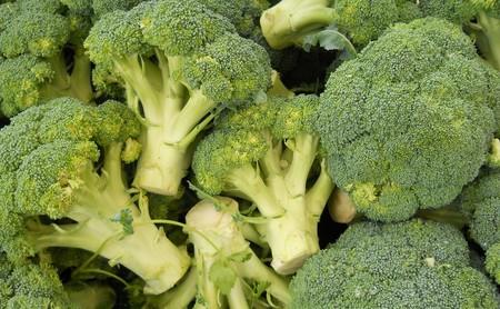 Todo sobre el brócoli: propiedades, beneficios y su uso en la cocina