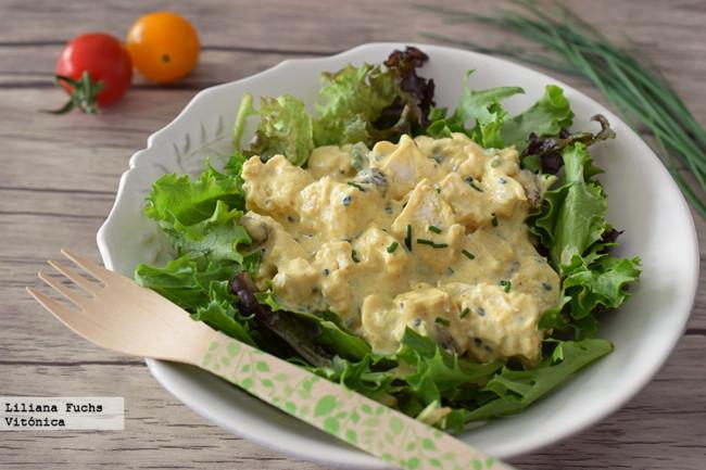 Ensalada de pollo al curry. Receta saludable