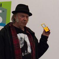 Neil Young no tira la toalla, tras Pono ahora apuesta por un streaming musical adaptable en alta definición