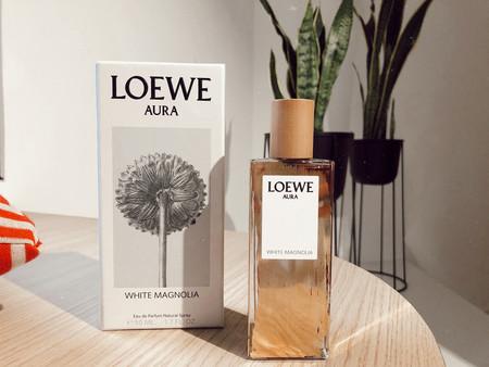El nuevo perfume de Loewe, Aura White Magnolia, tiene