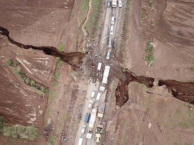 Una enorme grieta se ha abierto en el Valle del Rift de Kenia y parece que es solo el principio