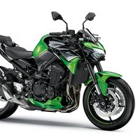 Kawasaki Z900: la naked superventas ahora con más tecnología para los mismos 125 CV