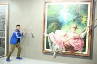 Este museo está pensado para hacer todas esas fotos chorra que la gente imagina con los cuadros