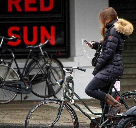 Texting Earphones Iphone Girl Music Bicycle Bike 958246