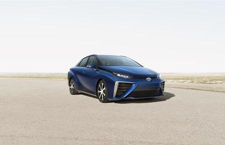 Toyota Fuel Cell Sedan 1 1