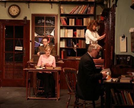 Adaptación al teatro de 84, Charing Cross Road