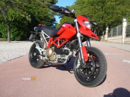 Ducati Hypermotard 796, la hermana pequeña de la saga