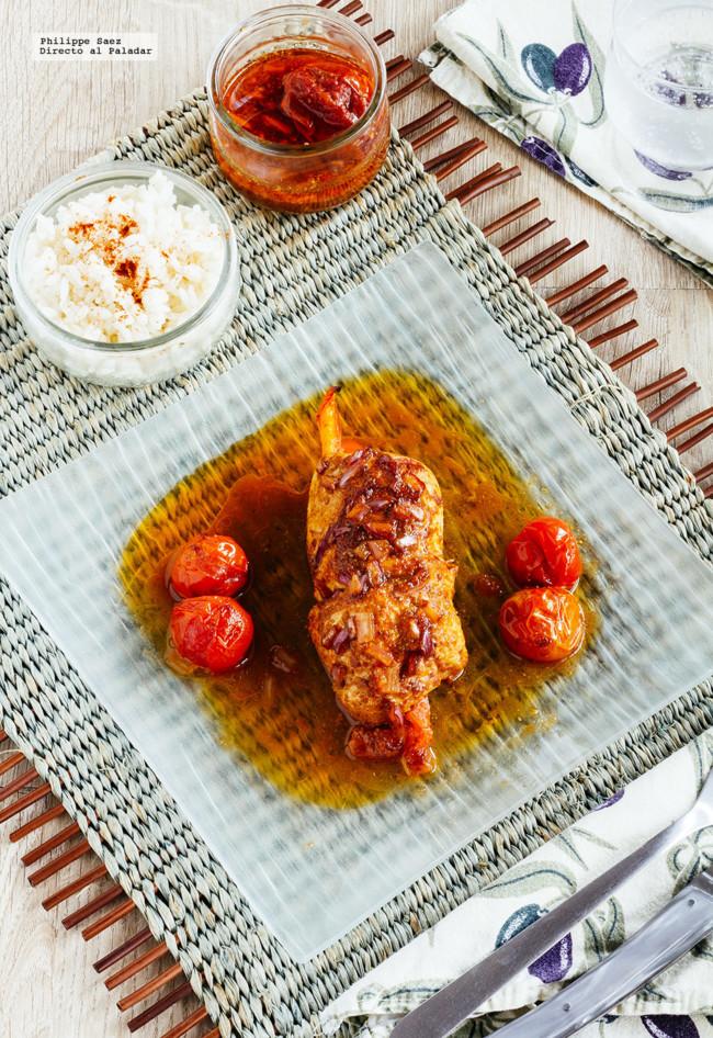 Rollitos de pollo marinado rellenos de pimiento. Receta