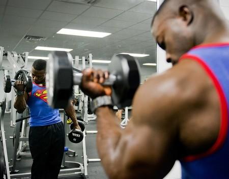 Una rutina de entrenamiento perfecta para los novatos del gimnasio