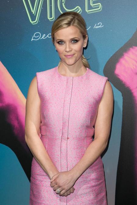 Reese Witherspoon saca su lado Barbie en el estreno de Inherent Vice en Los Angeles
