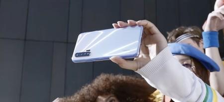 El Huawei Nova 6 se deja ver en un teaser: será 5G, tendrá lector de huellas en el lateral y doble cámara delantera
